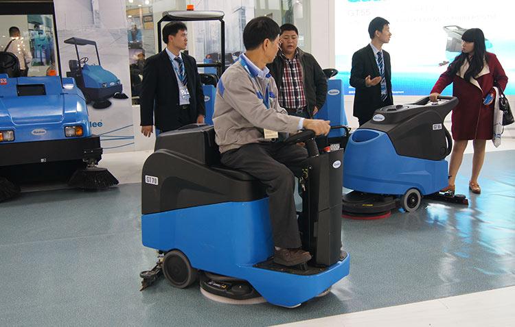 工业企业清洗方案-清除各类作业车辆的轮胎痕迹、油污-南京嘉得力